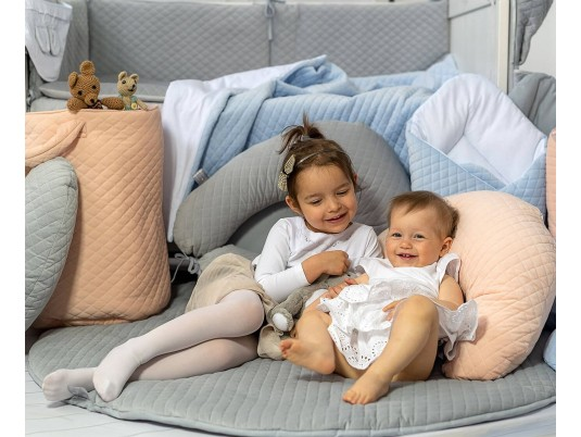 BebeVedette, tout l'univers de confort de bébé pour son bien-être.